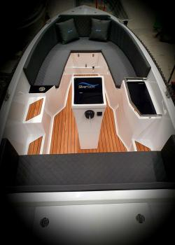 Boot 625 by SILVER YACHT