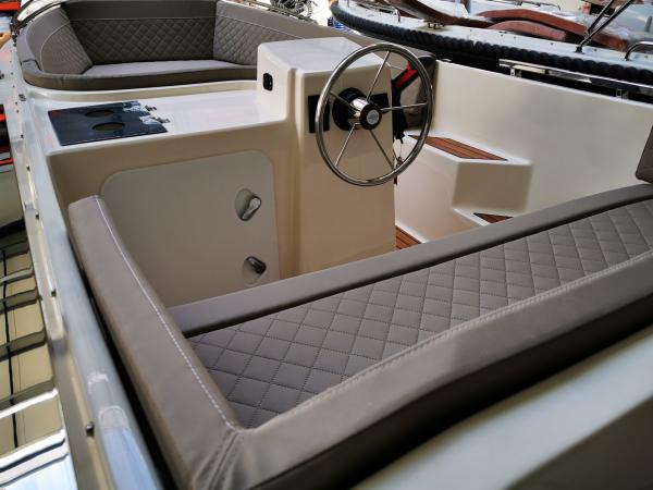 Boot 525 by SILVER YACHT